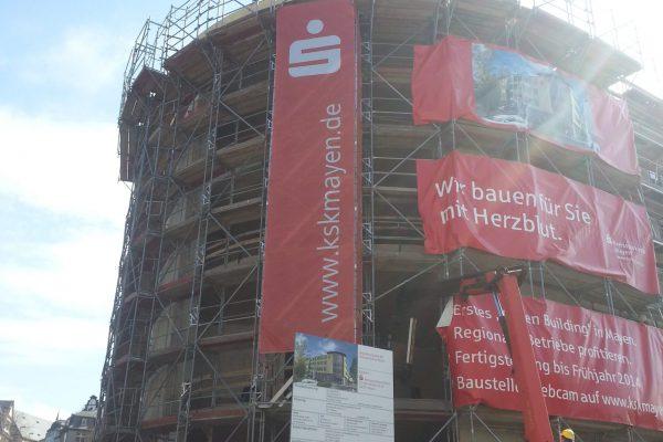 Großer Banner für die Sparkasse
